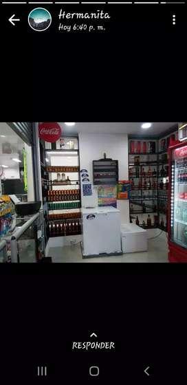 Se vende licorera bien ubicada en centro comercial san sur