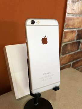 Se vende iphone 6 silver de 64gb