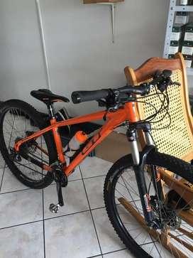 Vendo bicicleta GT avalanche elite