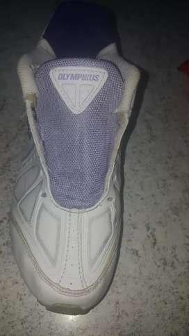 Vendo zapatillas Olympikus