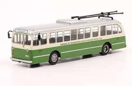 Colección Autobuses del Mundo (LA NACION). Escala 1/72
