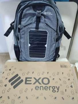 Mochila con cargador solar porta notebook