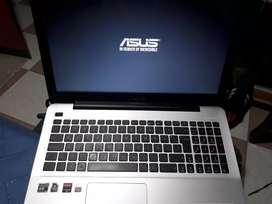 Asus X-555D, procesador AMD A10, Disco Duro en Estado Sólido
