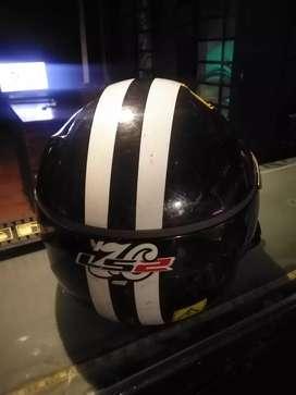Vendo casco para moto café rec barato o cambio por otro casco