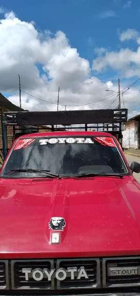 Vendo camioneta Toyota en$ 9.000