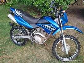 VENDO HONDA BROSS 125 cc,cubiertas sin usar,escape deportivo