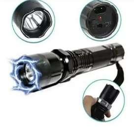 Linterna con luz led recargable con eléctrica corriente
