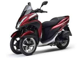 Moto Yamaha MW125 (Tricity) Roja