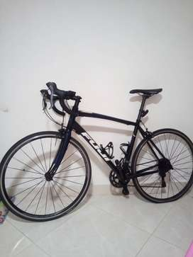 Bicicleta FUJI