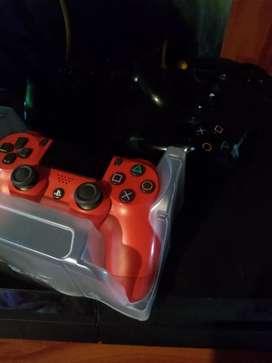 Vendo PS4 con 3 mandos y 6 juegos