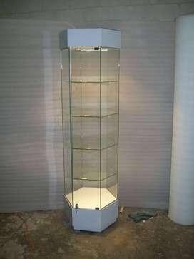 Vitrina exagonal de vidrio con base de melamine