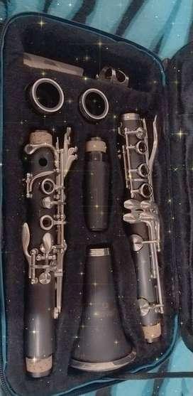 Clarinete Marca Jimbao en Sibemol perfecto estado