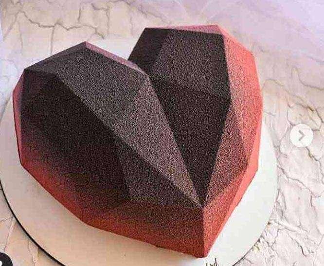 Heart - shaped cake pan / Molde para pastel con forma de corazón 0