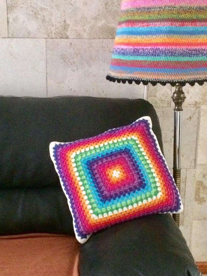 Almohadones tejidos a crochet 0