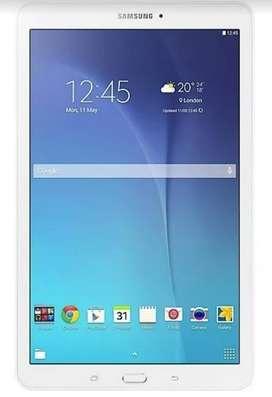 Tablet Samsung Tab E con Funda Original