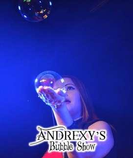 Mágico y Espectacular Show de Burbujas Gigantes en Cali. Andrexy's Bubble Show. Recreacionistas. Magos.