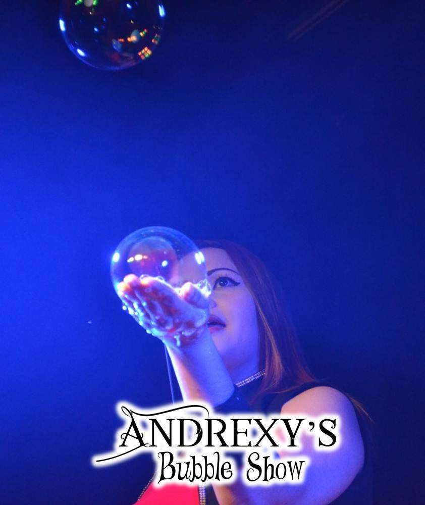 Mágico y Espectacular Show de Burbujas Gigantes en Cali. Andrexy's Bubble Show. Recreacionistas. Magos. 0