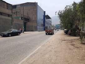 Terreno 600 m2, a espalda supermercado metro, La Hacienda, ideal colegios, academias, etc SJL