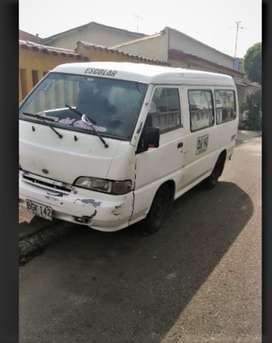 camioneta hyunday H100 de pasajeros