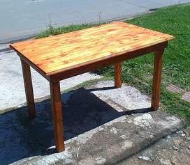 Fabrica de mesas y mesones de pino