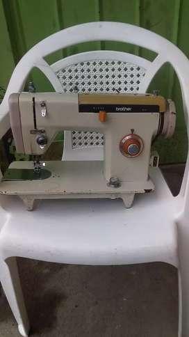 Venta máquina de coser en perfecto estado