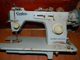 Maquina de coser antigua godeco