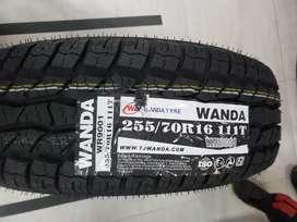 Llantas 255/0/16 marca Wanda
