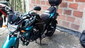 Moto Yamaha fz s FI 2.0 inyección electrónica con accesorios