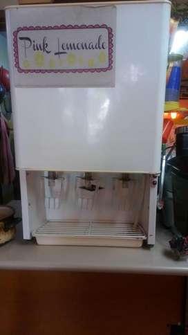 Vendo o Cambio refrigerador en perfectas condiciones .