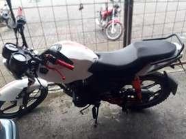 Se vende moto sukida estiff 150