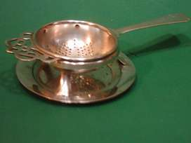 Antiguo Colador de té con base EPNS Made in England