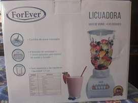 Licuadora marca ForEver  de paquete