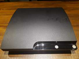 PlayStation 3 160 GB + 10 juegos fisicos + 1 joystick + kit move