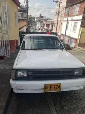 Mazda B2000 1991