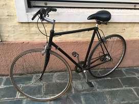 Bicicleta fixie rod. 28