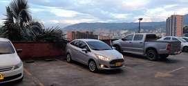Ford Fiesta Titatium Sedan At.