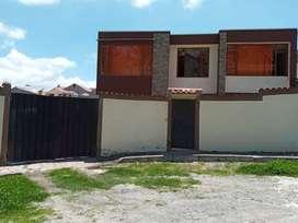 Vendo casa central en el canton cañar ciudadela del chofer sector san vacilio