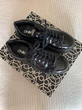 Zapatos de Charol 47 street.
