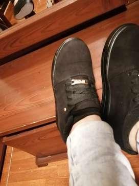 Zapatos negros para niña