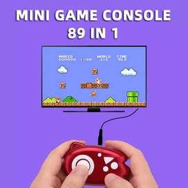 Se venden mini consolas Poly con más de 100 juegos para conectar a tv