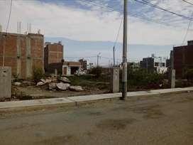 Se vende terreno en Urb. Las Palmas , Chiclayo. 180 M2, frente a parque.