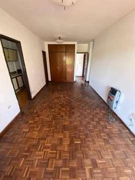 Vendo Departamento ubicado en el macro centro de Salta Capital.