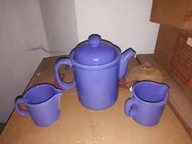 Productos de bazar nuevos en caja teteras jarros y platos