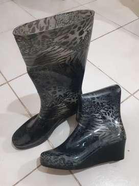 Botas de lluvia nuevas