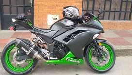 Kawasaki ninja con papeles nuevos poco recorrido!