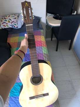 Vendo guitarra criolla impecable