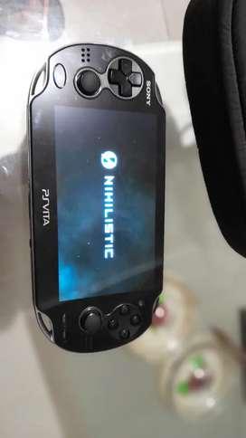 PSP VITA  más 5 juegos
