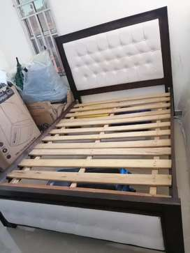 Vendo heemosa cama y tocado