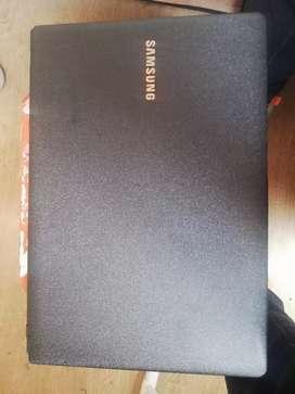 Portátil Samsung 300E