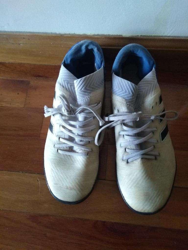 Botines Adidas 0